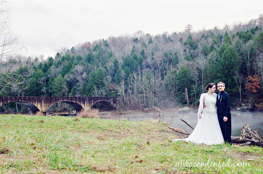 Rain On Your Wedding Day :: Cumberland Falls, Kentucky Destination Wedding Photographer